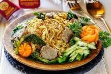Mie Goreng with Meatballs