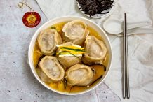 Korean Traditional Dumpling Soup (Manduguk)