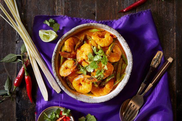 Yellow Prawn Curry (Gang Leung Goong Now Mai Farang)