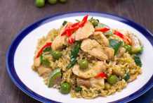 Green Curry Fried Rice with Chicken (Kao Pad Gaeng Keo Wan Gai)