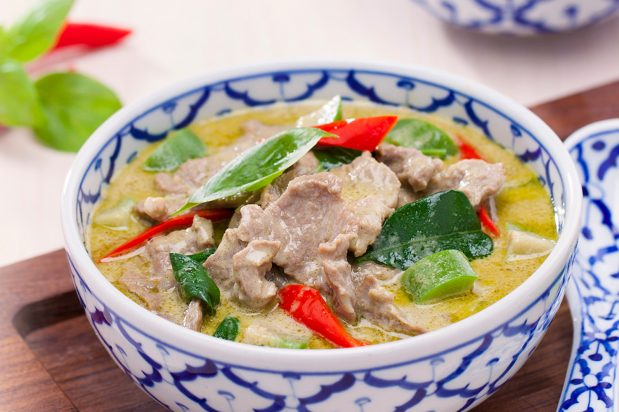 Green Curry with Beef (Gaeng Keo Wan Nua)