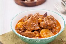 Massaman Curry with Beef (Gaeng Massaman Nua)