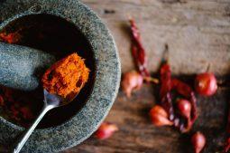 Homemade Thai Red Curry Paste (Prik Gaeng Ped)