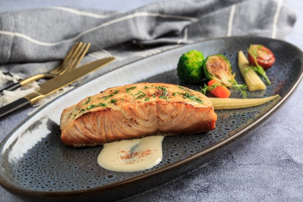 Japanese Grilled Salmon with Mayo & Cream Cheese Gratin