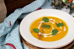 Thai Red Curry Pumpkin Soup