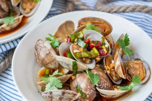 Seasoned Clams (Kkomajim)
