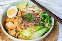 Creamy Coconut Slow-Cooked Chicken Laksa