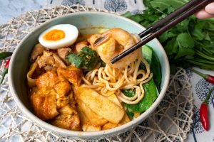 Quick Prawn Curry Laksa