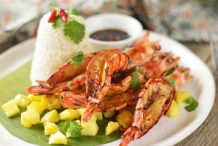Spicy, Sweet & Sticky Air Fryer Prawns