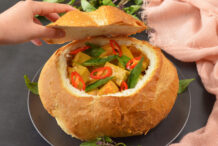 Vegetarian Yellow Curry Bun
